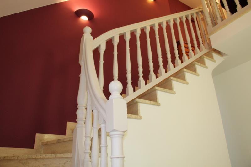 Peintre rennes pour particuler maison appartement relooker for Cage escalier exterieur