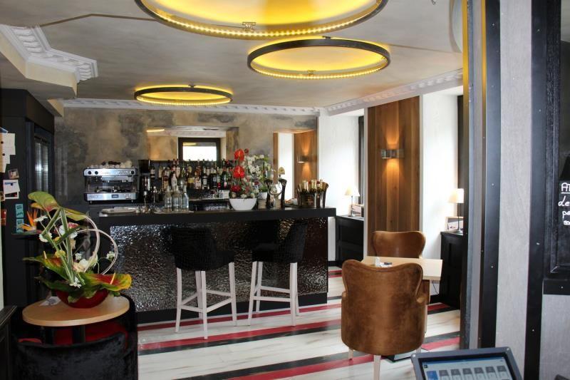 peintre d corateur rennes soci t de peinture rennaise et d coration aquadeco ille et vilaine. Black Bedroom Furniture Sets. Home Design Ideas