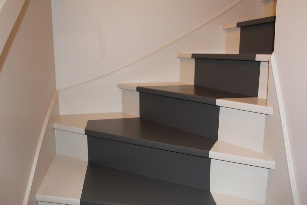 Travaux peinture escalier rennes peindre r nover relooker for Peinture sur escalier