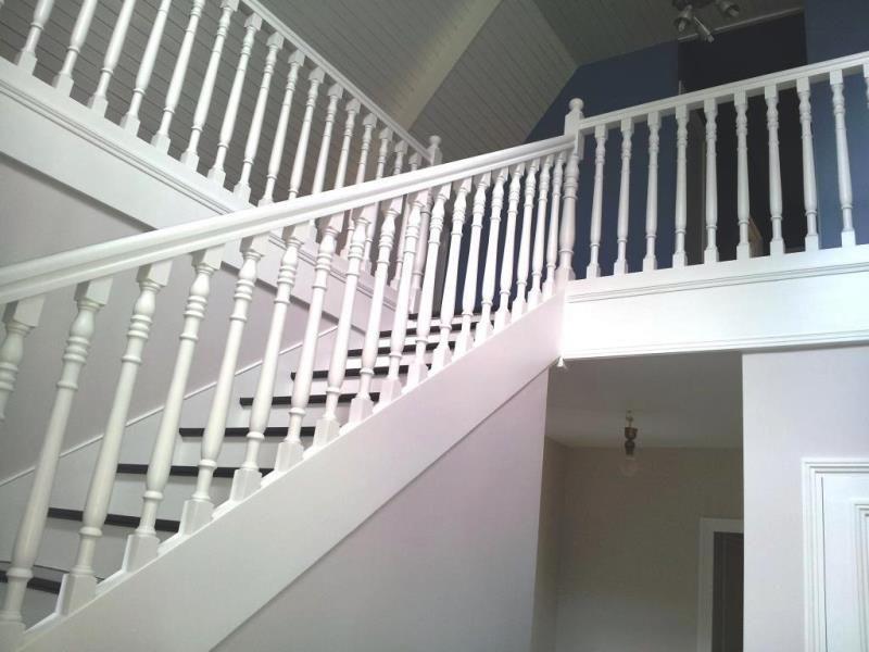 Peintre rennes pour particuler maison appartement relooker relooking salle manger cuisine for Peinture cage d escalier
