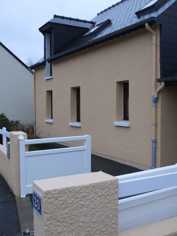 ravalement fa ade rennes peinture enduit chaux hydraulique etanch it maison particulier. Black Bedroom Furniture Sets. Home Design Ideas