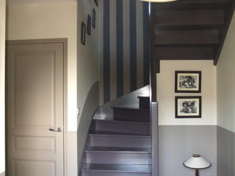 Travaux peinture escalier rennes peindre r nover relooker repeint artisan rennais - Peindre une cage d escalier en 2 couleurs ...